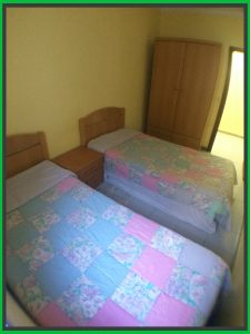 se alquila piso en caspe BARATO dormitorio